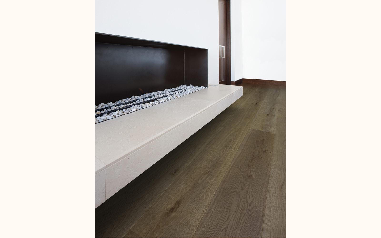 Classico, Rovere Europeo Rusticone spazzolato verniciato grigio tannino